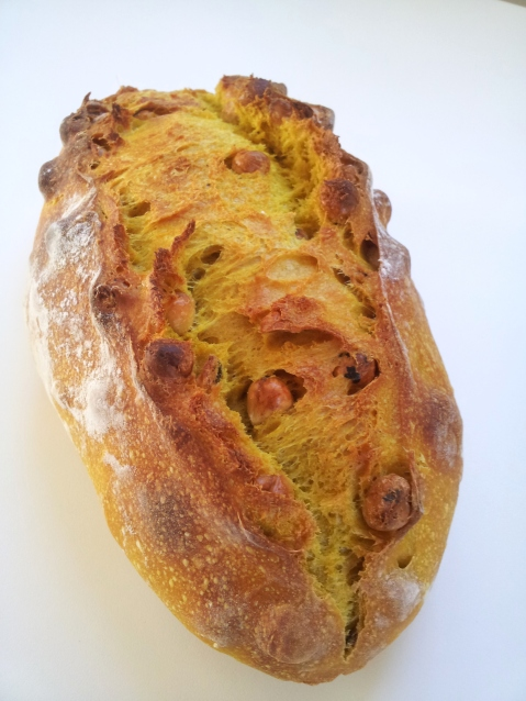 Turmeric hazelnut sourdough